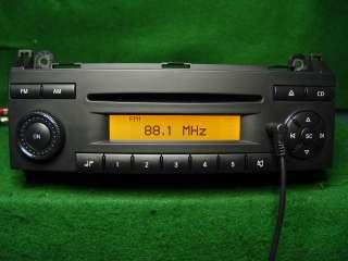 Mercedes Benz Dodge Sprinter CD Radio Mp3 Ipod AuX SAT A906 820 07 86