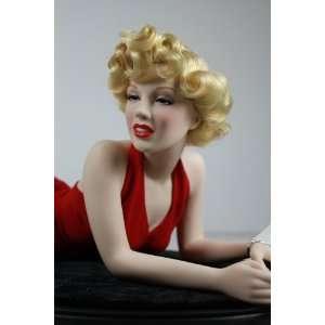 Franklin Mint Marilyn MonroeTM Porcelain Portrait Doll