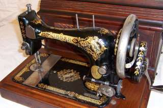 1896 Singer VS3 model 24 Hand Crank Sewing Machine Gothic Victorian