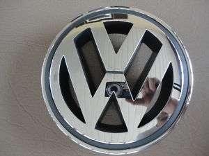 VW 05.5   10 VOLKSWAGEN JETTA V FRONT GRILLE EMBLEM NEW