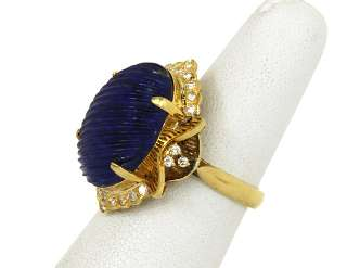 VINTAGE 18K GOLD, DIAMONDS & HAND CARVED BLUE LAPIS LADIES RING