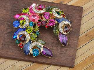 Colorful Crystal Rhinestone Gold Tone Festive Wreath Design Pin Brooch