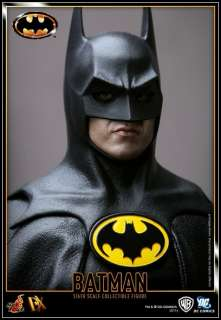 Hot Toys 1/6 DX09 Batman   1989 Batman Michael Keaton IN STOCK