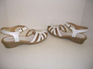 EASY SPIRIT Womens Shoes White Leather Sandals Size 9W