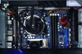 Alienware Area 51/7688 Desktop PC  Computer & Zubehör