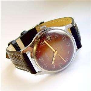 VOSTOK 1960s vintage Russian USSR Watch w DATE 18 j