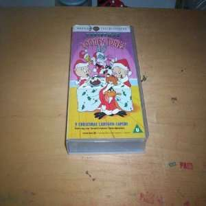 Looney Tunes Characters) (VHS 60 Minutes) Family Entertainment Books