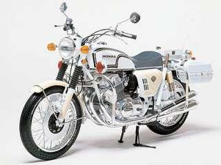 Tamiya 16004 1:6 Honda CB750 Police Bike Motorcycle Kit