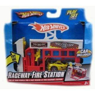 Hot Wheels Deluxe Super Service Center Playset : Toys & Games :