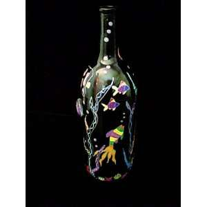 Fish Design   Wine Bottle w/Hand Painted Stopper