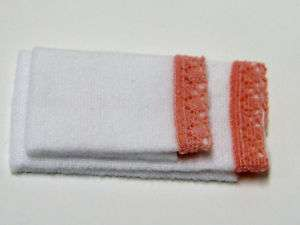 Dollhouse Miniatures   White Bath Towel Set w/pink trim
